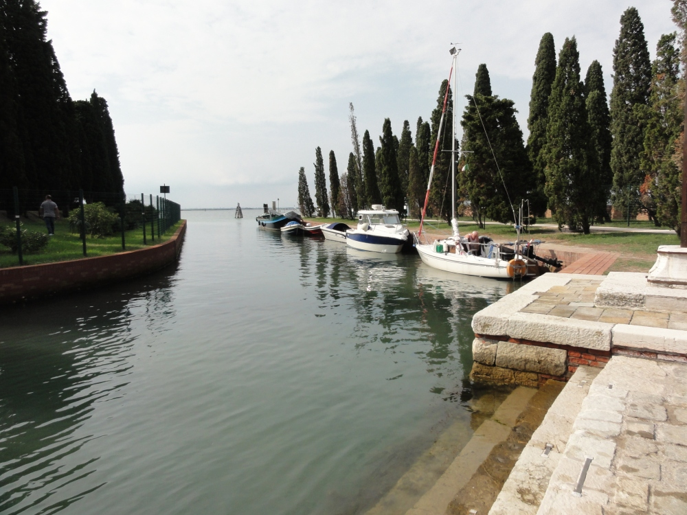 S._Francesco_del_Deserto_-_panoramio
