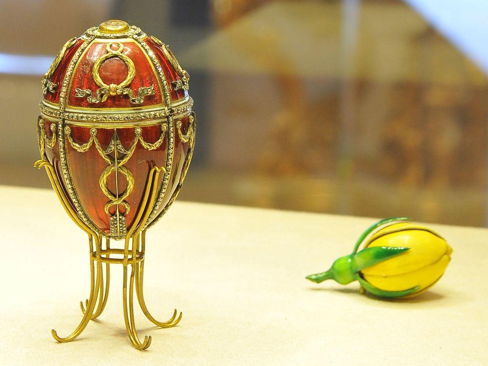 1920px-rosebud_egg